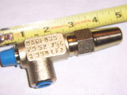 148B3746 Danfoss Stop Needle Valve SNV-ST 1/4 FPT x 1/4 MPT