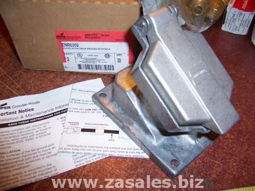CROUSE HINDS ENR6202 - 20A 250V Dead Front Interlock Receptacle Unit