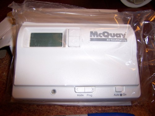 McQuay Thermostat 107095901 Programmable Made in U.S.A.