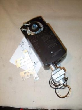 Johnson Controls m9216-bgc-2 Electric Non-Spring Return Proportional Control Actuator with Tandem Operation(0 - 10 VDC)